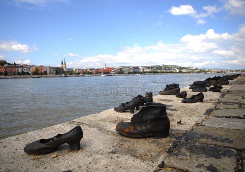 Monumento del holocausto de Budapest - fotos de archivo