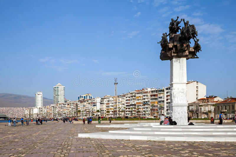 Monumento del meydani de Gundogdu, Esmirna, Turquía fotos de archivo