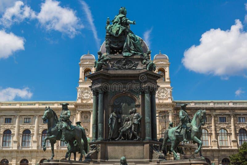 Monumento del monarca famoso Maria Theresia del Habsbourg (Vienna fotografie stock libere da diritti