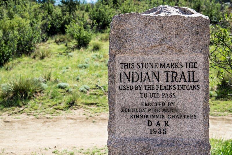 Monumento del rastro de indios de llanos - jardín de dioses Colorado imágenes de archivo libres de regalías
