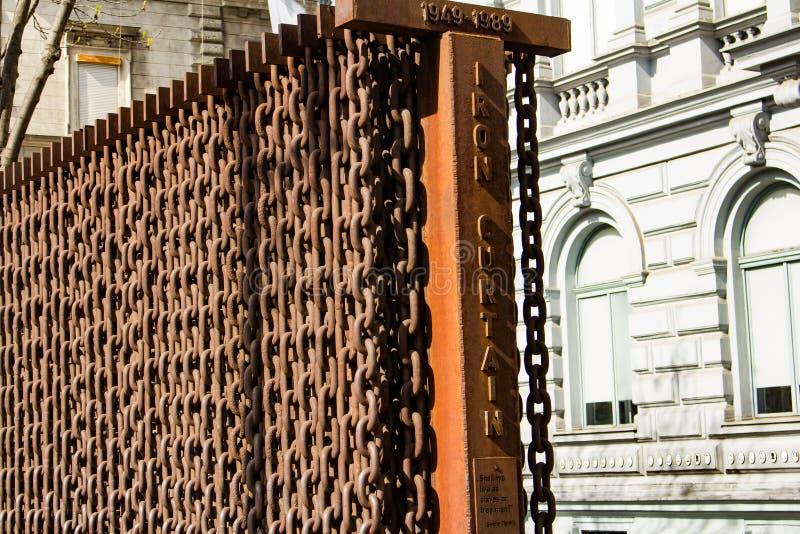 Monumento del telón de acero - monumento histórico fotos de archivo libres de regalías