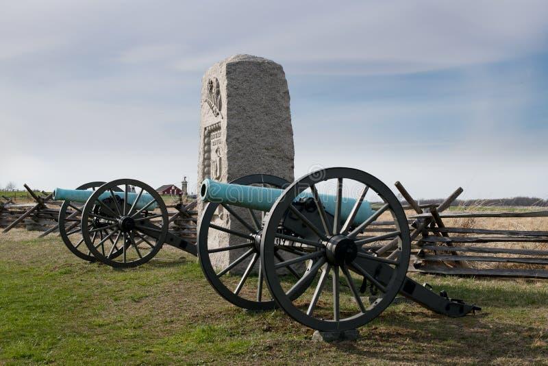 Monumento della batteria di Massachusetts del campo di battaglia nono di Gettysburg fotografie stock