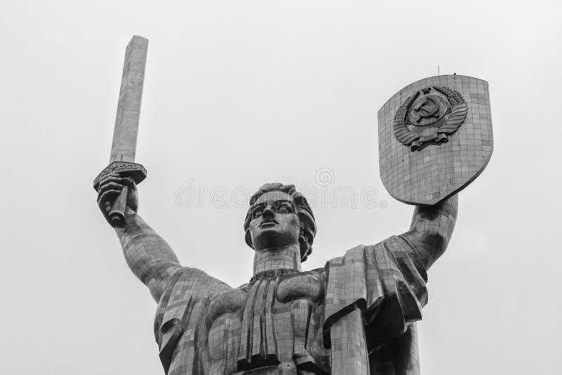 Monumento della stuoia di Rodina in Kyiv immagini stock libere da diritti