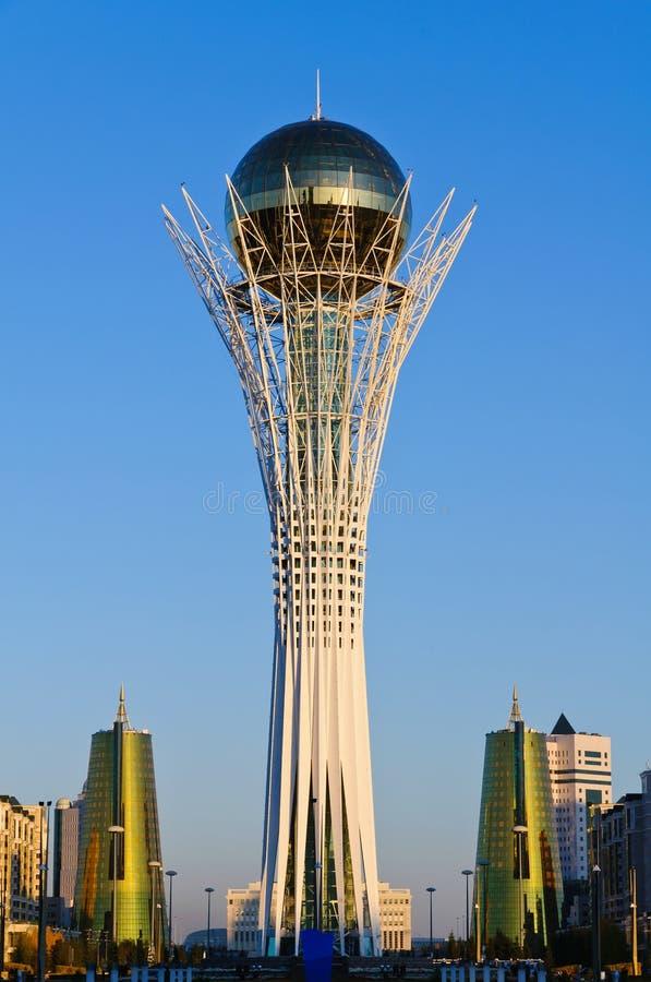 Monumento di Bayterek a Astana, Kazakhstan fotografia stock