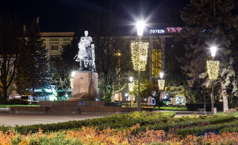 Monumento di Bohdan Khmelnytsky nel centro urbano Ternopil, Ucraina fotografia stock libera da diritti
