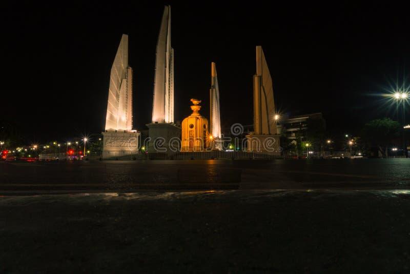 Monumento di democrazia in Tailandia fotografie stock