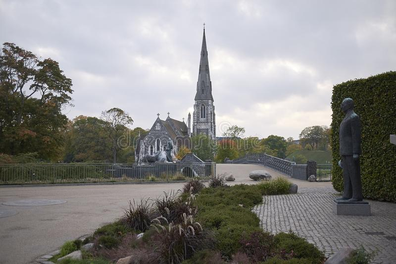 Monumento di Frederik IX sulla priorità alta immagine stock