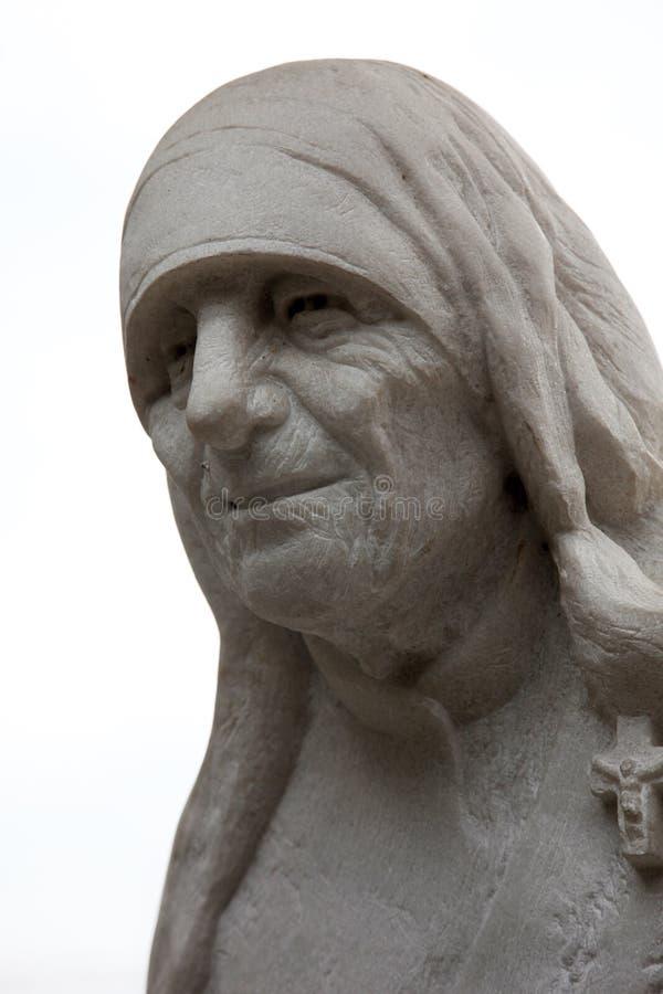 Monumento di Madre Teresa a Skopje immagine stock libera da diritti