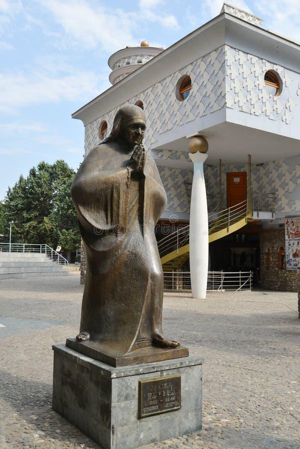 Monumento di Madre Teresa a Skopje, Macedonia fotografia stock libera da diritti