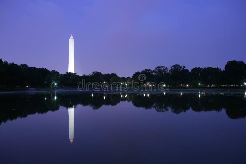 Monumento di Washington al crepuscolo fotografia stock