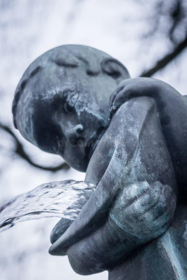 Monumento do cemitério da religião uma da arte da estátua da escultura imagem de stock