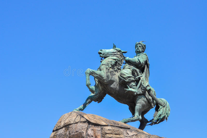 Monumento do getman ucraniano Bogdan Khmelnitskiy em Kyiv foto de stock royalty free