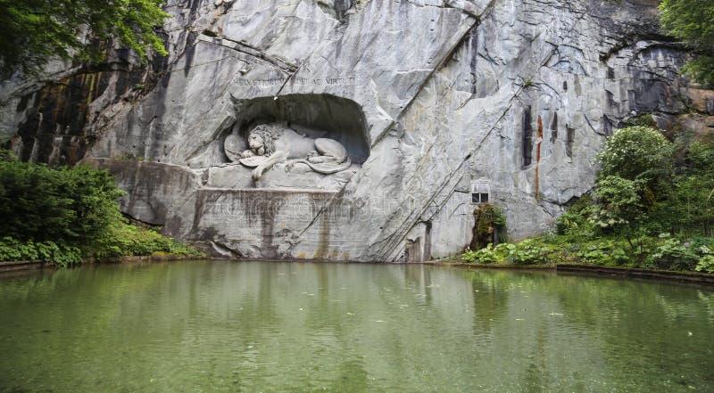 Monumento do leão na lucerna, switzerland imagens de stock