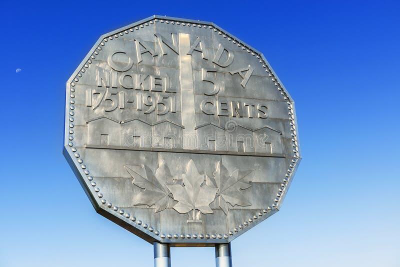 Monumento do níquel em Sudbury, Ontário fotografia de stock