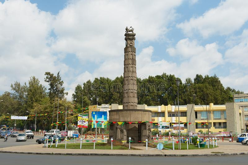Monumento do quilo de Arat no quadrado de Meyazia 27 em Addis Ababa, Etiópia foto de stock royalty free