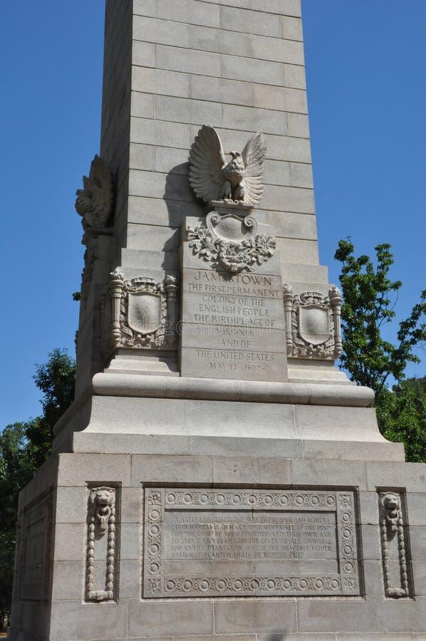 Monumento do tricentenário em Jamestown, Virgínia fotografia de stock
