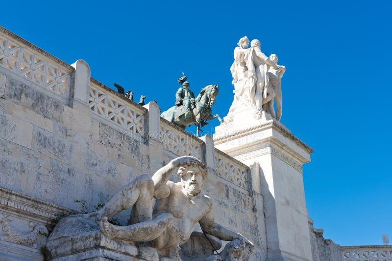 Monumento ecuestre a Victor Emmanuel II cerca de Vittoriano fotografía de archivo libre de regalías