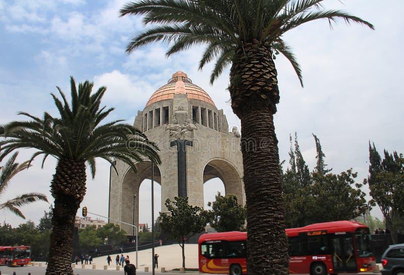 Monumento en larevolucion royaltyfri fotografi