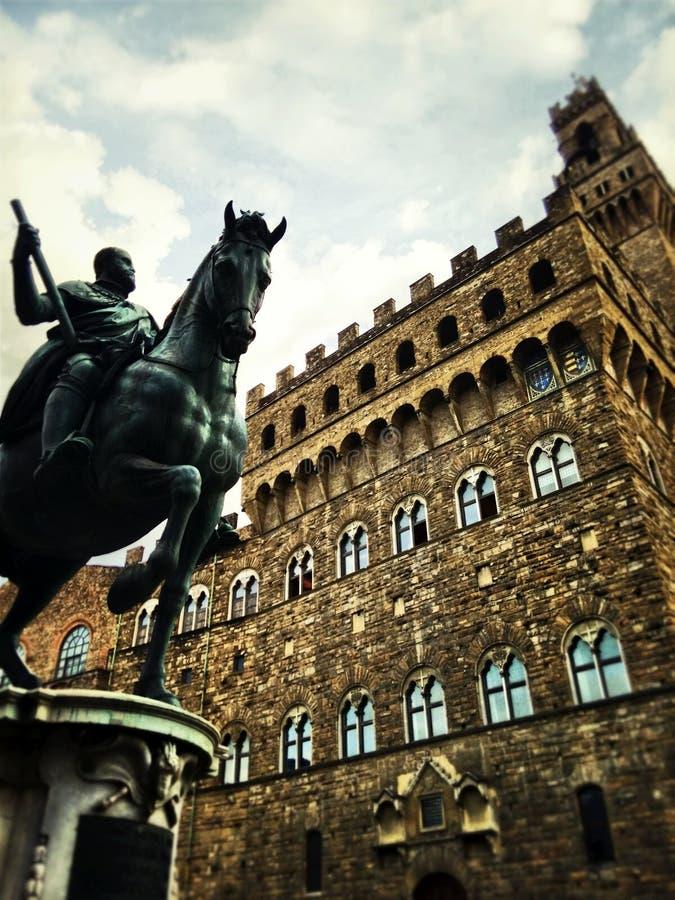 Monumento equestre di Cosimo I (de Medici di di Cosimo I del equestre di Statua) immagine stock