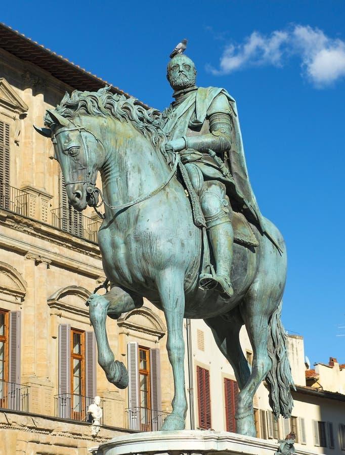 Monumento equestre di Cosimo I a Firenze, Italia immagini stock libere da diritti