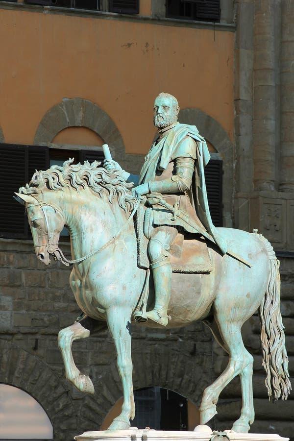 Monumento equestre di Cosimo I a Firenze, Italia fotografie stock libere da diritti