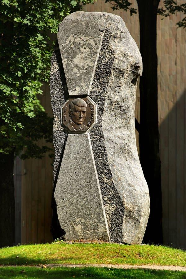 Monumento a Ernests Brastins a Riga, Lettonia immagine stock libera da diritti