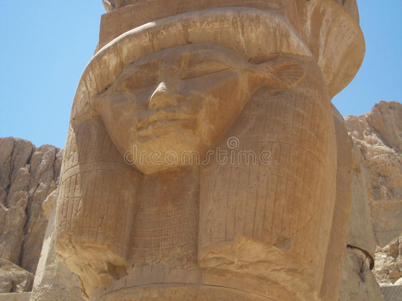 Monumento faraónico con su cara en Marsa Alam foto de archivo libre de regalías