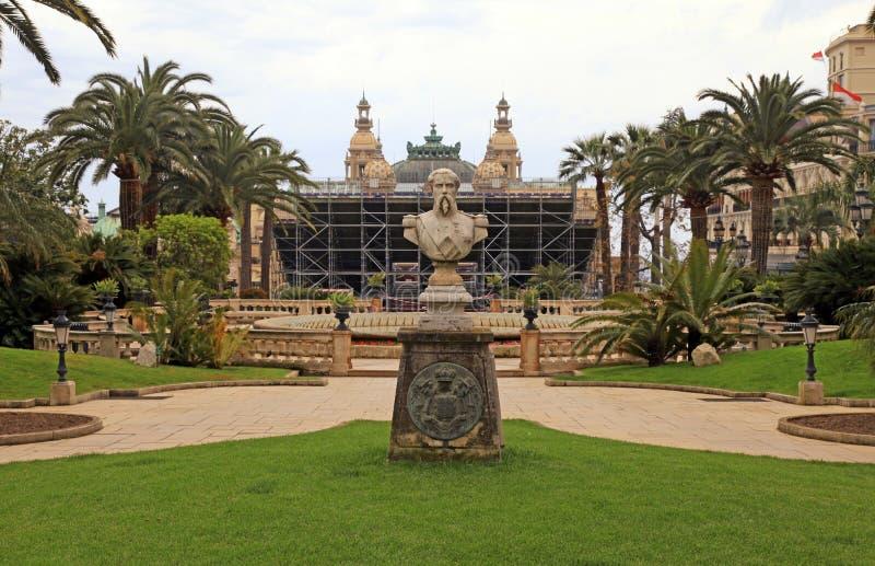 Monumento a Francois Blanc nel parco vicino a Monte Carlo Casi immagine stock libera da diritti