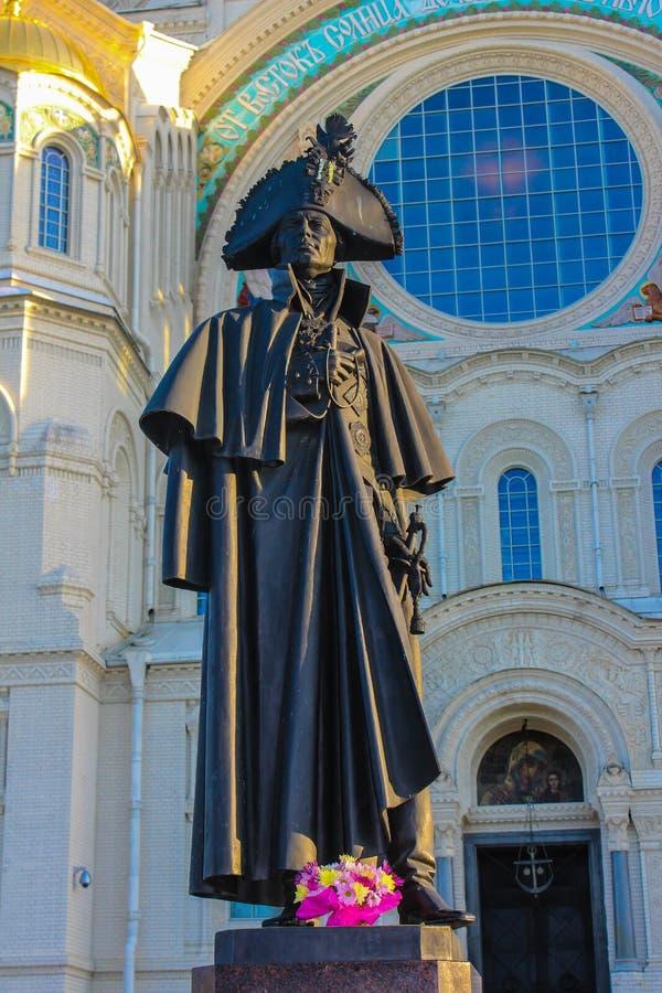 Monumento a Fyodor Ushakov in Kronštadt immagine stock
