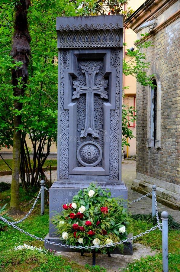 Monumento Georgian da igreja ortodoxa com marca Batumi inoperante Geórgia da cruz t do crucifixo foto de stock