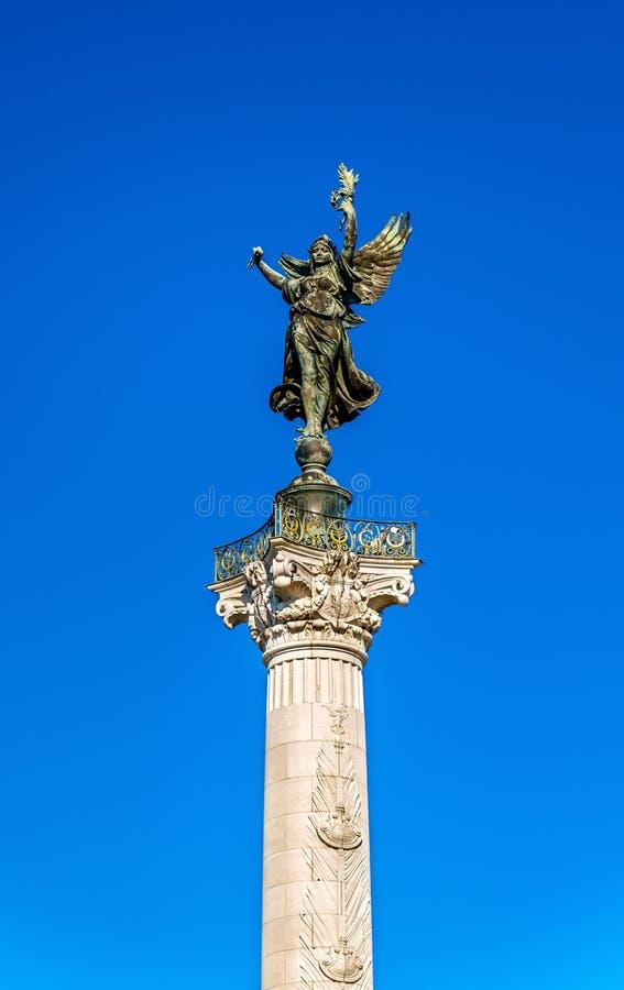 Monumento Girondins auxiliar no quadrado de Quinconces no Bordéus - França imagem de stock