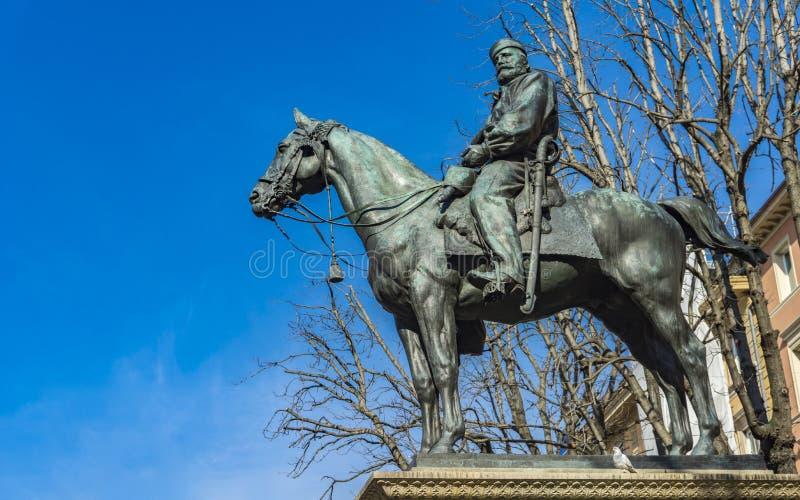 Monumento a Giuseppe Garibaldi a Bologna fotografia stock