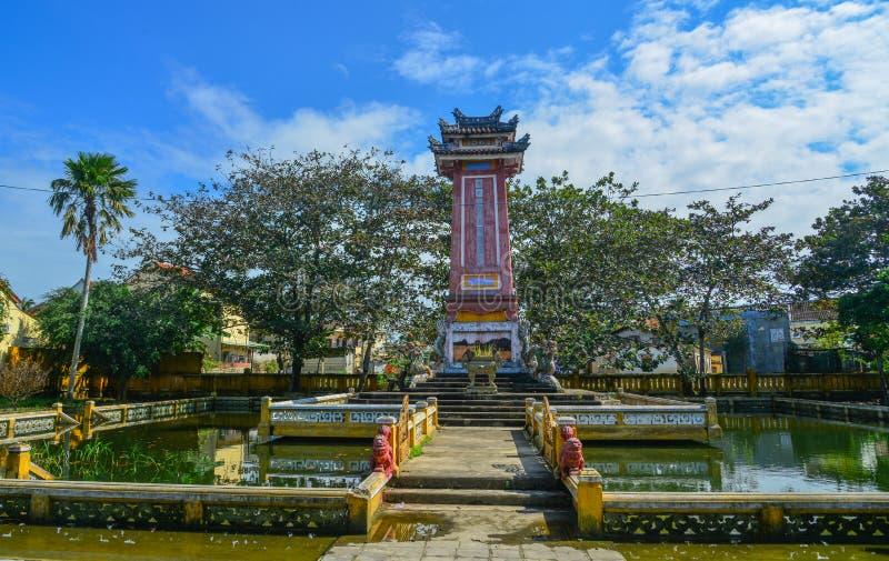 Monumento histórico em Hoi An, Vietname fotos de stock