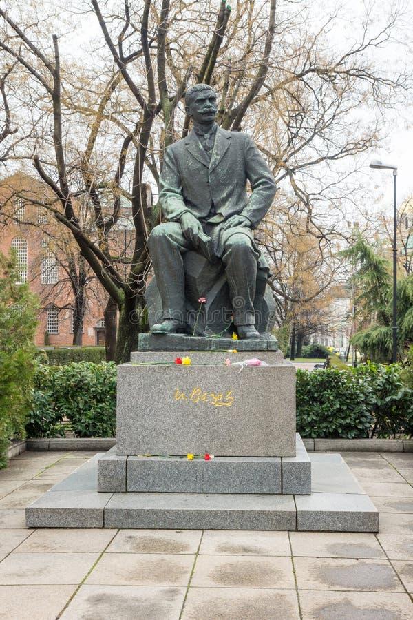 Monumento a Ivan Vazov en Sofía, Bulgaria imagen de archivo