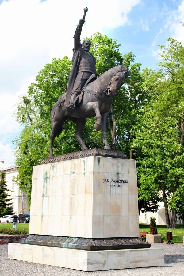 Monumento a Jan Zamoyski em Zamosc, Polônia foto de stock