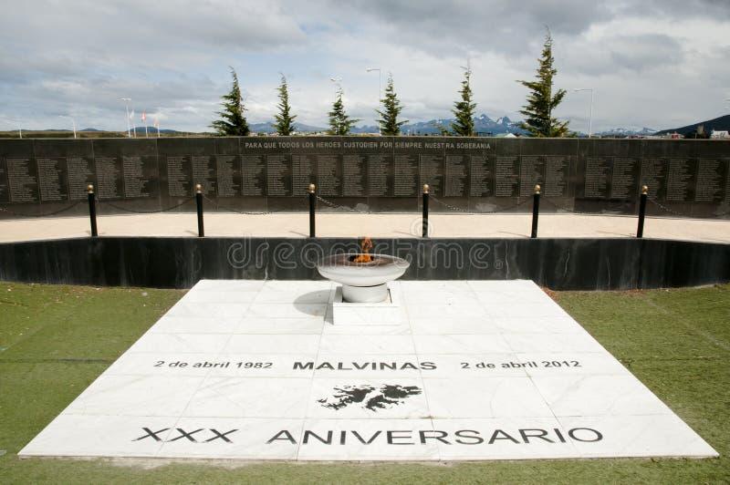 Monumento a la batalla de las islas de Malvinas - Ushuaia - la Argentina imagen de archivo