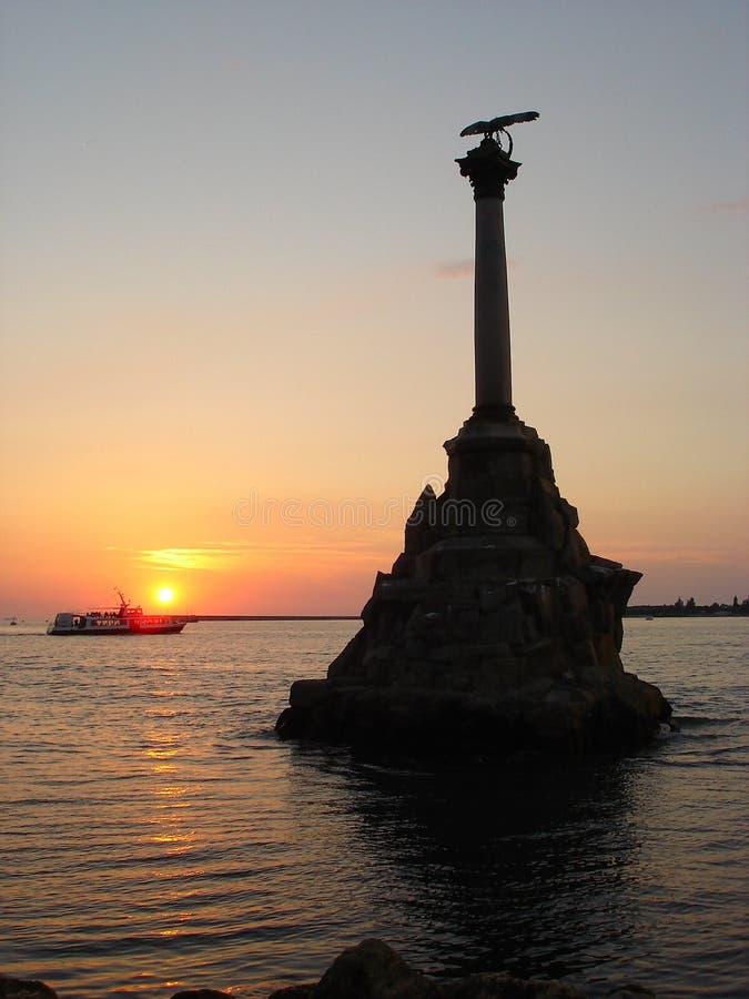 Monumento a las naves barrenadas en Sevastopol imágenes de archivo libres de regalías