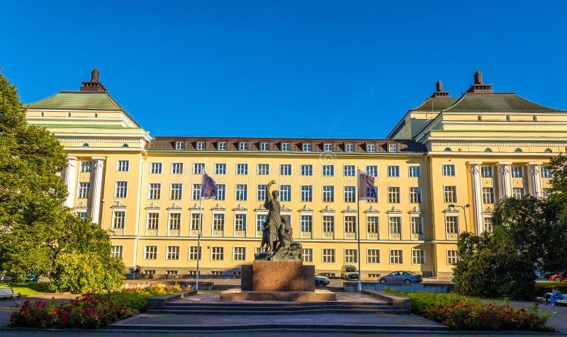 Monumento a las víctimas de la revolución delante de O nacional foto de archivo libre de regalías