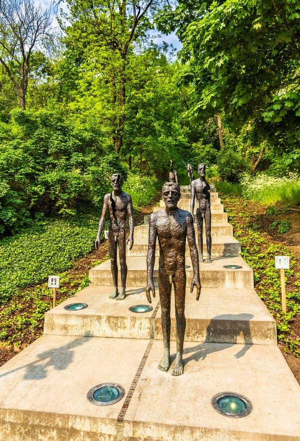 Monumento a las víctimas del comunismo en Praga imagen de archivo