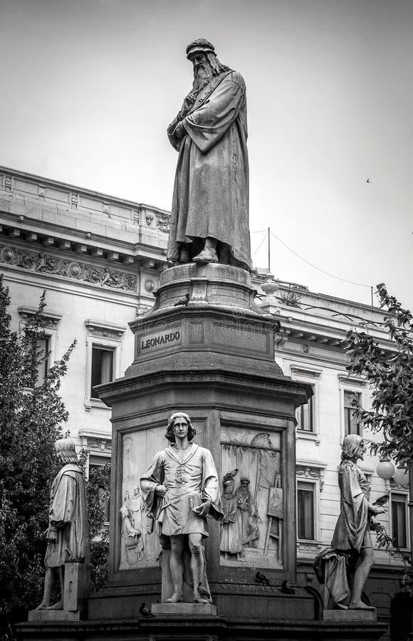 Monumento a Leonardo Da Vinci fotografie stock libere da diritti