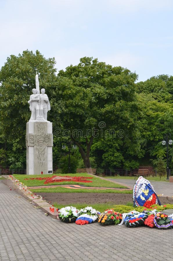 Monumento a los marineros soviéticos que tomaron la fortaleza alemana Pillau, Baltiysk moderno, Rusia fotos de archivo