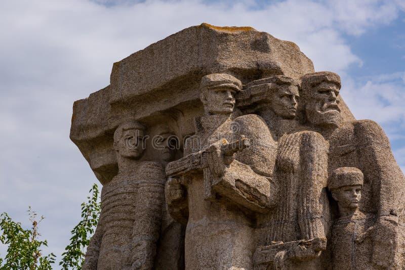Monumento a los partidarios que lucharon contra fascismo en Odessa imagenes de archivo
