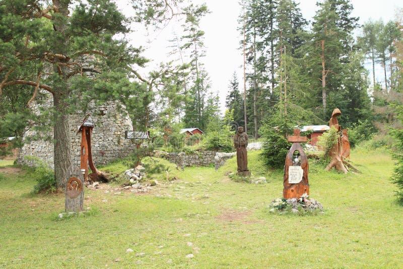 Monumento a los salvadores del helicóptero estrellado en el paraíso eslovaco, área del torisko del ¡del ¡Å de Klà foto de archivo