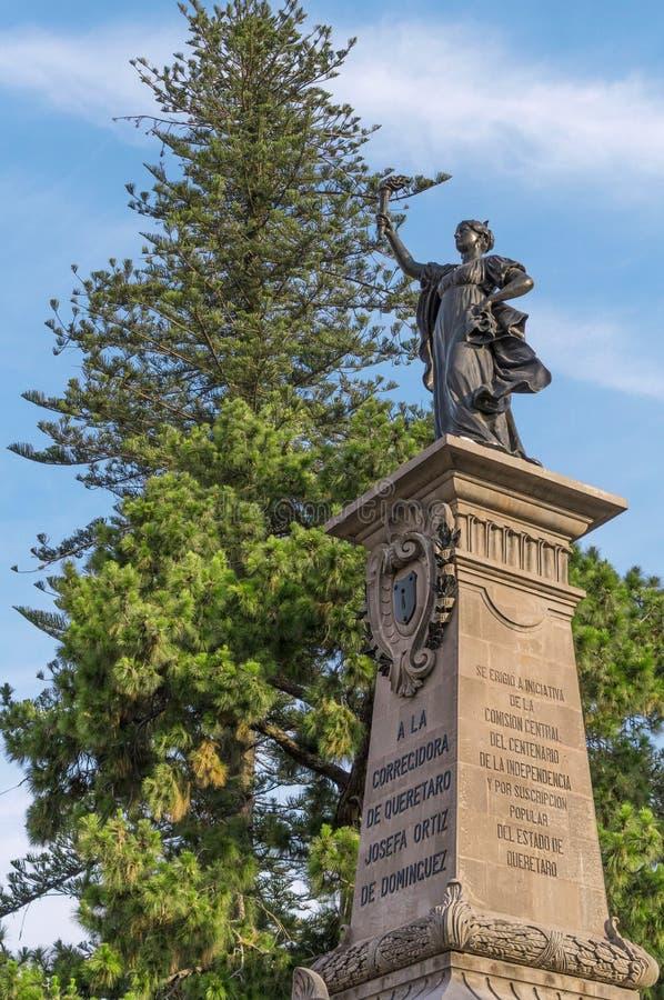 Monumento na homenagem a Josefa Ortiz de Dominguez em Queretaro México fotos de stock royalty free