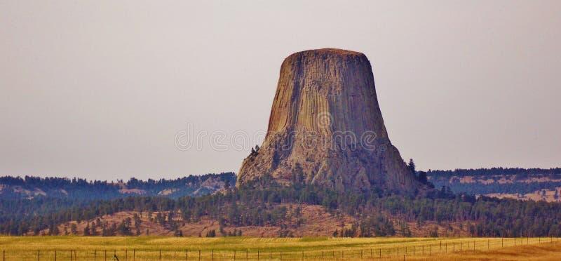 Monumento nacional de la torre de los diablos en Wyoming imagenes de archivo