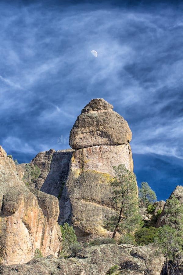 Monumento nacional dos pináculos em Califórnia, EUA fotos de stock
