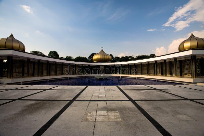 Download Monumento Nacional Kuala Lumpur De Tugu Negara Foto de Stock - Imagem de água, cebola: 16872090
