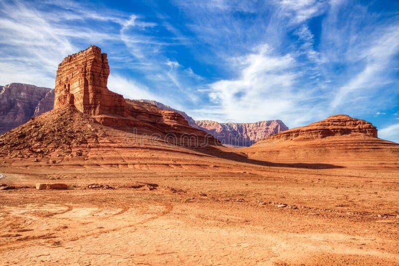 Monumento nazionale Arizona del canyon delle colline delle scogliere di marmo del vermiglio immagine stock