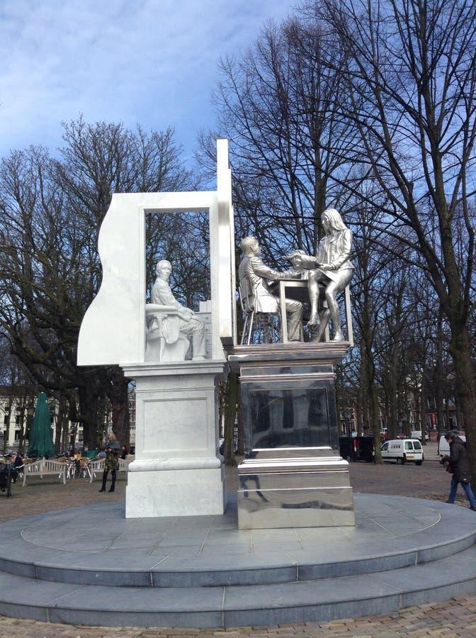 Monumento nel centro di Aia fotografie stock libere da diritti