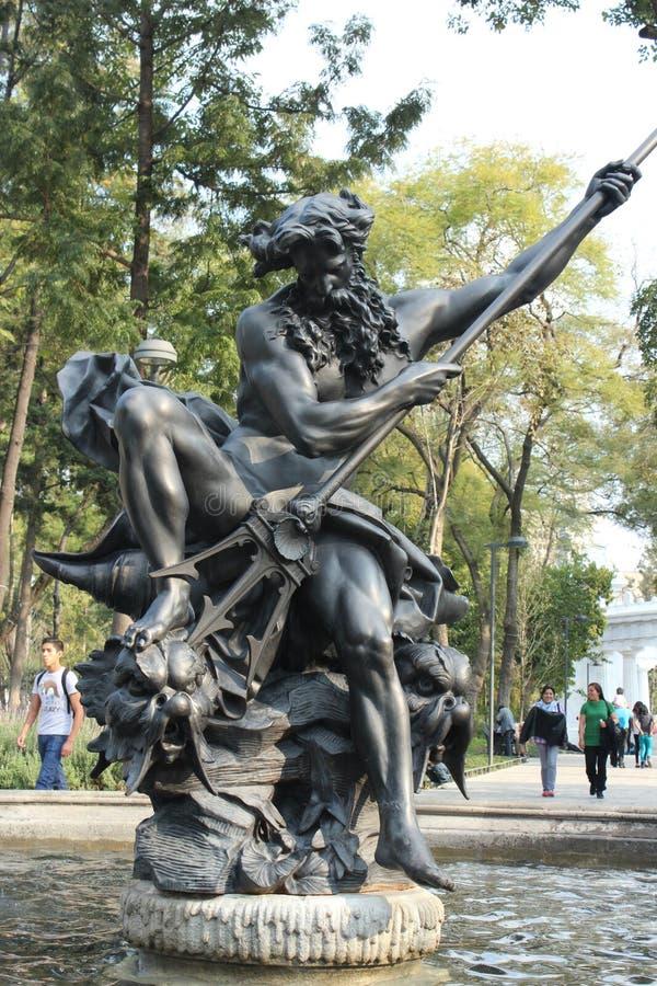 Monumento a Neptuno en espacio público en Ciudad de México foto de archivo